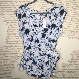 NWT NY&C XL Navy Floral Side Tie Blouse A3-10